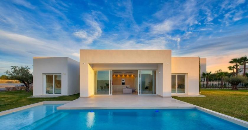 Beautiful Detached 3 Bedroom Villas located within a Exclusive Las Colinas Golf & Country Club development